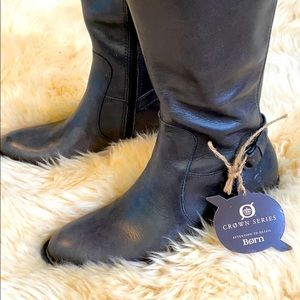 Brand new never worn crown series born boots
